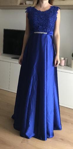 98590244bb38 OsloboďSkriňu.sk - bazár pre Vaše oblečenie - Spoločenské šaty (Stav ...